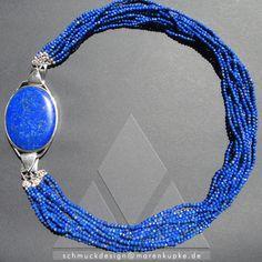 Royal blue Lapislazuli  Collier, Afghanistan, ein wunderschöner eye-catcher Ein attraktives edles Collier mit einer großen ovalen Lapislazuli-Schliesse und einem 12-reihigen Saatperlencollier.