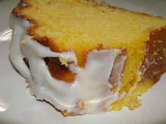 Υγρό+κέικ+λεμονιού+με+γλάσο+λεμονιού