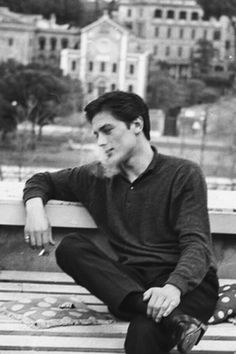 Image discovered by f-iasko. Find images and videos about boy and Alain Delon on We Heart It - the app to get lost in what you love. Classic Hollywood, Old Hollywood, Actors, Pose Reference, Pretty Boys, Character Inspiration, Life Inspiration, Movie Stars, Style Icons