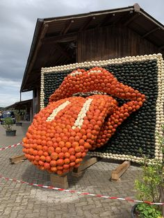 Im September beginnt die Kürbisausstellung 2019. Das Thema ist Musik, deshalb auch die Rolling Stones Zunge! Rolling Stones, September, Pumpkin, Vegetables, Food, Sculptures, Musik, Pumpkins, Essen