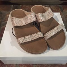 977853be8b84 36 Best Fitflop sandals images