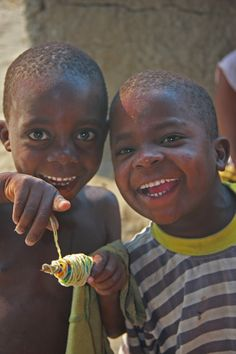happy children APLV