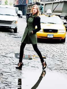 Lily Donaldson & Cara Delevingne for Goelia Travel Collection Winter 2012 Street Chic, Street Style, Lily Donaldson, Holy Chic, New York Photos, Check Coat, Cara Delevingne, Nice Tops, My Wardrobe