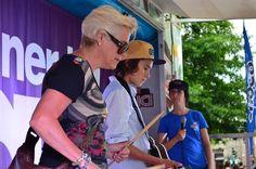 Le challenge «Rock Band» bat son plein pendant toute la durée du festival. Certains des plus grands guitaristes de l'heure sont à l'oeuvre sur cette scène!