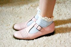 blue frilly ankle socks with pink shoes!!! <3 <3 <3