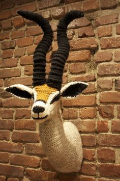 Nathan Vincent crochet taxidermy 10 Examples of Crochet Taxidermy I have done a unicorn, but I am obsessed with crocheted taxidermy and want to make a rhino next. Crochet Art, Crochet Home, Learn To Crochet, Crochet Animals, Crochet Patterns, Crochet Taxidermy, Faux Taxidermy, Yarn Bombing, Animal Heads