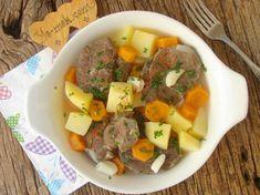 Tencerede Sebzeli Et Haşlama Nasıl Yapılır? Pot Roast, Mashed Potatoes, Menu, Ethnic Recipes, Food, Carne Asada, Whipped Potatoes, Menu Board Design, Roast Beef