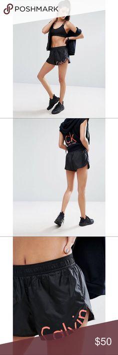 Calvin Klein Shorts NWT Woven fabric Stretch waist Logo detail Regular fit - true to siz Calvin Klein Shorts