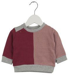IMPS & ELFS sweater voor jongens en meisjes. Gemaakt van zacht en stevig biologisch katoen. De verschillende gekleurde panden geven een leuk effect. Maak een leuke match met de rest van je outfit. De sweater is verkrijgbaar in een...