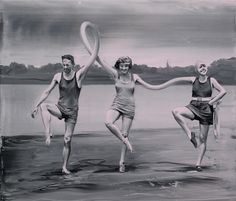 Artist Paco Pomet Subverts Vintage Vacation Photos and Historical Landscapes in His Surreal Oil Paintings  http://www.thisiscolossal.com/2013/12/paco-pomet/