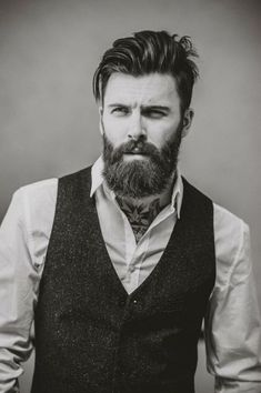 When beard paired with wrong hairstyle or face structure, it can be disastrous. Keep yourself updated with the Latest Modern Beard Styles For Men. Modern Beard Styles, Beard Styles For Men, Hair And Beard Styles, Beards And Hair, Facial Hair Styles, Beard And Mustache Styles, Men Hair, Trending Beard Styles, Bart Styles
