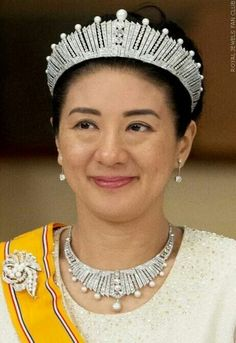Japanese Crown Princess Masako wearing the stunning Diamond and Pearl Sunburst Tiara, with matching Necklace at The Imperial Palace of Japan, for a dinner honoring the King and Queen of the Netherlands, 29.10.2014