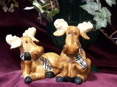 Why do silly moose figurines make me SMILE? And these would actually be useful ie S shakers --LOL Salt N Pepa, Moose Deer, Christmas Moose, Salt And Pepper Set, Collectible Figurines, Salt Pepper Shakers, Reindeer, Tea Pots, Whimsical