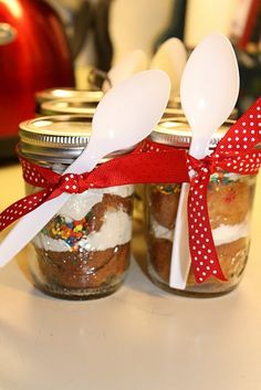 food gift - cupcakes in a jar