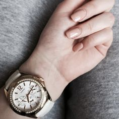 Guess what @gloriawysz's watch is? It's, of course, a Guess watch with a pretty yet functional style. See what other styles you can try from our collection here https://www.uniwatches.dk/brand/guess-ure/