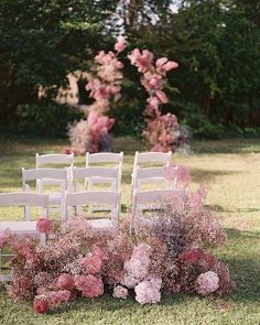 2020 Wedding Trends To Bookmark: Part 1 ⋆ Ruffled - Plans are underway for weddings in the new year, so we only thought it fitting to share our favorite 2020 wedding trends - and believe us, we could ha. Wedding Ceremony Ideas, Wedding Aisles, Wedding Trends, Wedding Designs, Wedding Bouquets, Arch Wedding, Ballroom Wedding, Wedding Tips, Wedding Shoes