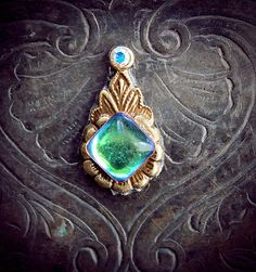 Hey, I found this really awesome Etsy listing at https://www.etsy.com/listing/186967138/rhea-bindi-iridescent-glass-antique
