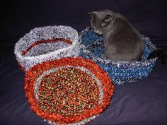 Pet Bed pattern by Shawna Anweiler Awesome Idea! Crochet Pet Bed by Shawna Anweiler - free crochet patternAwesome Idea! Crochet Pet Bed by Shawna Anweiler - free crochet pattern Ravelry Crochet, Crochet Amigurumi Free Patterns, Easy Crochet Patterns, Crochet Ideas, Crochet Projects, Crochet Blanket Border, Granny Square Crochet Pattern, Crochet Animals, Crochet Pet