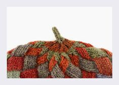 Entrelac knitting has experienced a revival with the advent of long-repeat self-striping yarns. This entrelac hat , the Kaleidoscope Tam. Knitting Projects, Knitting Patterns, Color Change, Knitted Hats, Knit Crochet, Beanie, Beret, Hoods, Scarves