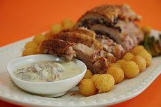 Lombo de Porco Recheado com Morcela e Molho de Cogumelos Silvestres | SaborIntenso.com