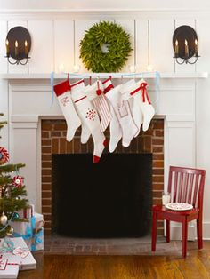 Snowy stockings, stitched up using quilted cotton, fleece, or muslin, are embellished with everything from fluffy faux fur to fringed felt, then hung by the chimney with flair.