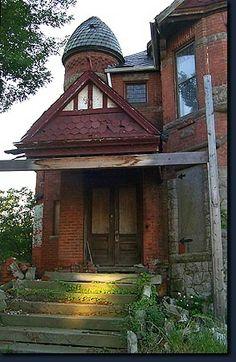Trumbull Avenue - Detroit Gilded Age House Ruin