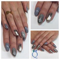 #roundnails #nails #gelnails #grey #silver #chrome #snakeskinnails #rundenägel #nägel #gelnägel #grau #silber #chrom #schlangenhautoptik #nailqueen_janine #nagelstudio #möhlin