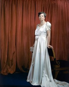 First Lady Eleanor Roosevelt Photographed by Edward Steichen, Vogue, March 1941 Eleanor Roosevelt, Franklin Roosevelt, First Lady Of America, Us First Lady, Edward Steichen, Presidents Wives, American Presidents, American First Ladies, American Women