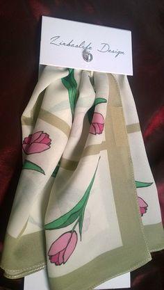 Zirbaslife Design 100% silkkiä, vain 8kpl erä! Käy ilahduttamassa itseäsi hankkimalla Suomessa taiteiltu, printattu ja ommeltu Design huivi!
