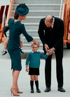 The Cambridges arrive at 443 Maritime Helicopter Squadron on September 24, 2016 in Victoria, Canada