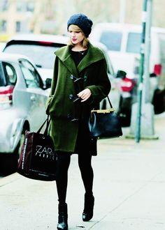 Taylor shopping in Soho, NY (03/19/14)