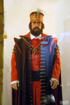 Зриньи Миклош (Zrínyi Miklós, около 1508-66 гг.) - венгерский и хорватский государственный деятель, полководец. Участник многих сражений с турками. С 1563 г. главнокомандующий венгерскими войсками на правом берегу Дуная. Во время похода турецкого султана Сулеймана II на Вену в 1566 г. Зриньи погиб при попытке вывести гарнизон из разрушенной крепости Сигетвар.