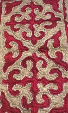 kyrgyz felt artist mairam omurzakova Hand Embroidery Flowers, Felt Embroidery, Felt Applique, Applique Quilts, Textile Patterns, Textiles, Print Patterns, Felt Crafts, Fabric Crafts