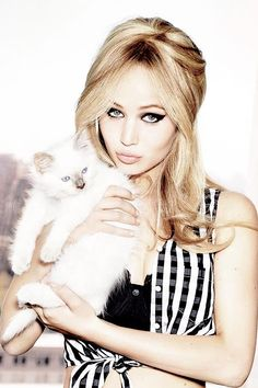 Jennifer Lawrence and cat. Who is cuter? Ellen Von Unwerth, Vanity Fair, Hollywood Actresses, Actors & Actresses, Jennifer Lawrence Fotos, Jennifer Lawrence Photoshoot, Kentucky, Jennifer Laurence, Tv Movie