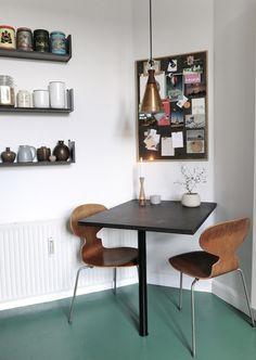 Billedresultat for indfarvet beton vådrum Room Inspiration, Interior Inspiration, Linolium, Kitchen Corner, Kitchen Flooring, Linoleum Flooring, My New Room, Kitchen Interior, Decorating Your Home