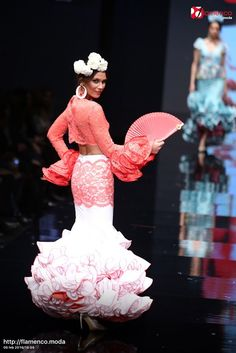 Sara de Benitez Simof 2016 Flamenco Dancers, Flamenco Dresses, Fashion Art, Beautiful Dresses, Beautiful People, Fashion Dresses, Prom Dresses, Glamour, Costumes
