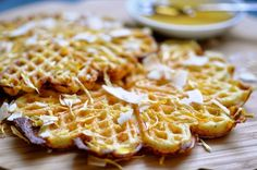 In Sweden, waffles can be considered a national dessert. They even have a Waffle Day! In Denmark we also eat waffles and these almond waffles are a favorite Diabetic Desserts, Easy Desserts, Dessert Recipes, Dinner Recipes, Love Food, A Food, Food And Drink, Easy Delicious Recipes, Yummy Food