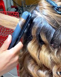 Italian Hair, Hair Curling Tutorial, Hair Up Styles, Easy Hairstyles For Long Hair, Hair Videos, Gorgeous Hair, Wavy Hair, Hair Looks, Hair Inspiration