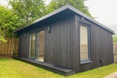 Gallery | Insulated Garden Rooms | Outside In Summer Houses Uk, Insulated Garden Room, Outdoor Garden Rooms, Gym Room, Garden Office, Building Exterior, Cladding, Home Remodeling, Outdoor Structures