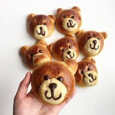 Med hj… The world's sweetest teddy bears, made with spelled flour and of course lactose-free! Cute Food, Good Food, Canned Blueberries, Kawaii Cooking, Scones Ingredients, Childrens Meals, Tummy Yummy, Homemade Vanilla, Food Goals