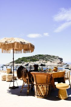 Los Enamorados Ibiza is a small & stylish boutique hotel in Portinatx in the North of Ibiza. Hip Hotel Los Enamorados Ibiza offers trendy rooms with seaviews. Hotel Ibiza, Best Hotel Deals, Best Hotels, Tulum, Holiday Houses To Rent, Romantic Hotel Rooms, Parfait, Online Travel Sites, Ibiza Formentera