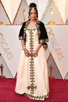All Of The Looks On The Oscars Red Carpet - Altmodische African Women, African Fashion, Ethiopian Dress, Oscar Gowns, Queen, Red Carpet Fashion, That Look, Nice Dresses, Oscars