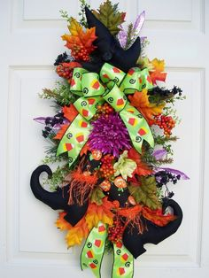 WITCH BOOTS AND HAT WREATH !!!