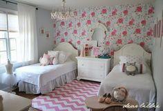 Dear Lillie: Lillie and Lola's Christmas Room