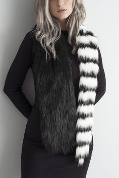 ACE FAUX FUR SCARF BY MONX BRAND. BLACK AND WHITE.
