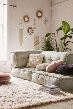 Ideas living room apartment decoration urban outfitters for 2019 Apartment Furniture, Apartment Living, Living Room Furniture, Apartment Ideas, Boho Living Room, Cozy Living Rooms, Moroccan Decor Living Room, Living Room Bed, Moroccan Inspired Bedroom