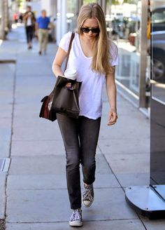 Amanda Seyfried Casual Look Converse