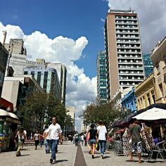 Curitiba é uma cidade nacionalmente conhecida, seja pela boa culinária, pelo tradicional Festival de Teatro, pelas apresentações de Natal no Palácio Avenida ou pelos belos pontos turísticos que por lá existem. Visite! Foto: @raul_mattar.