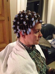 obedient hubby in a dress, girdle & heels having his home perm Medium Hair Styles, Short Hair Styles, Feminized Husband, Girly Captions, Getting A Perm, Wet Set, Perm Rods, Roller Set, Permed Hairstyles