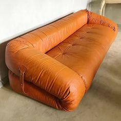 Anfibio sofa by Alessandro Becchi for Giovanetti, Unique Furniture, Vintage Furniture, Furniture Design, Modular Sofa, Furniture Inspiration, Leather Sofa, Vintage Home Decor, Living Spaces, Living Area